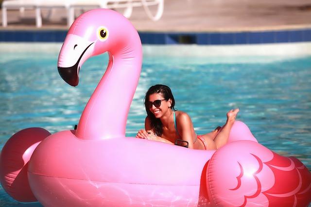 žena bazén nafukovací
